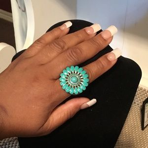 ♥️Turquoise Bursting Flower stretch ring.